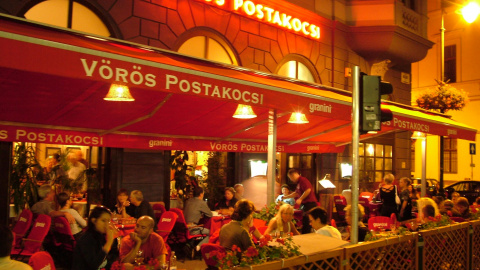 Vörös Postakocsi